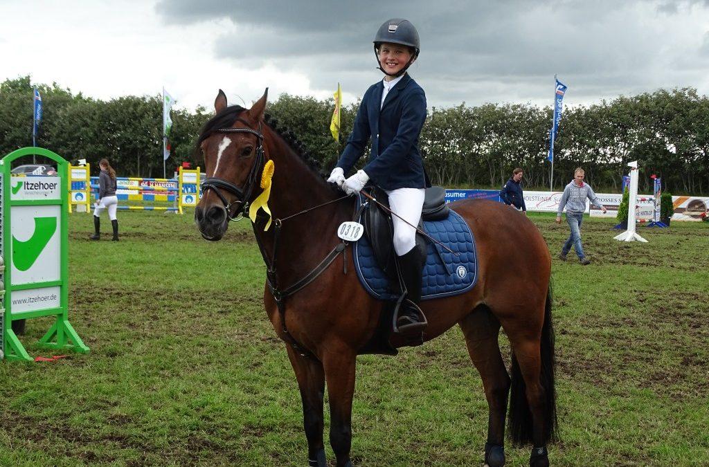 Romy Rosalie Tietje gewinnt mit Charmeuer 3. Qualif. HS-PJF in Behrendorf